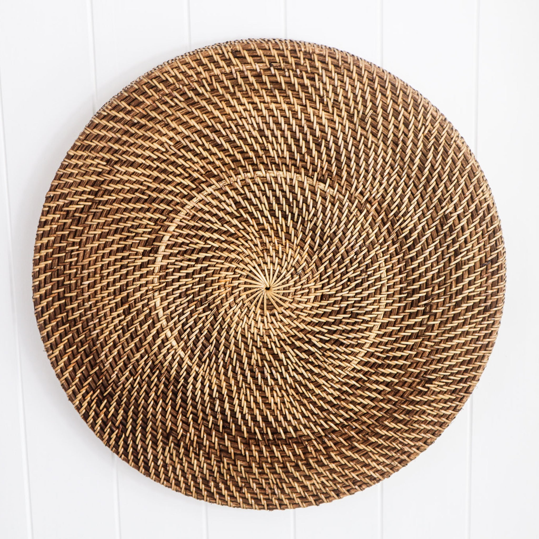 RATTAN LARGE ROUND ENTERTAINING TRAY