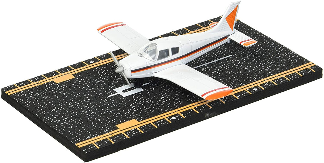 Hot Wings Piper Cherokee with Connectible Runway