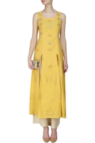 indo western dress styles- sleeveless - myTailor.in