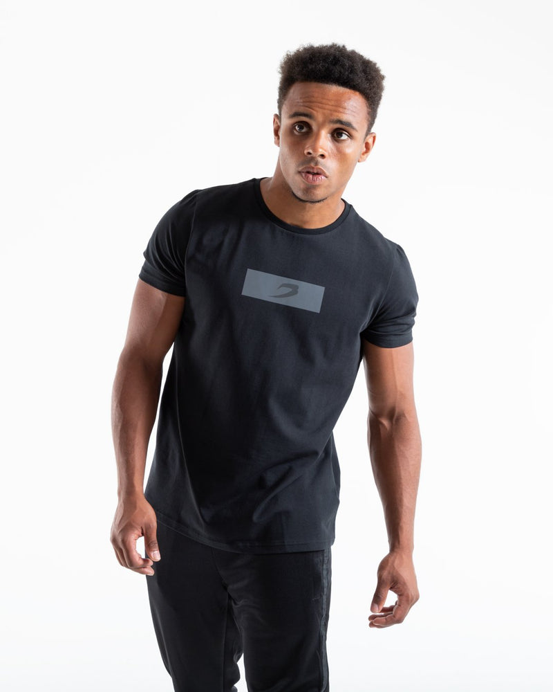 REFLECTIVE STRIKE T-SHIRT BLACK