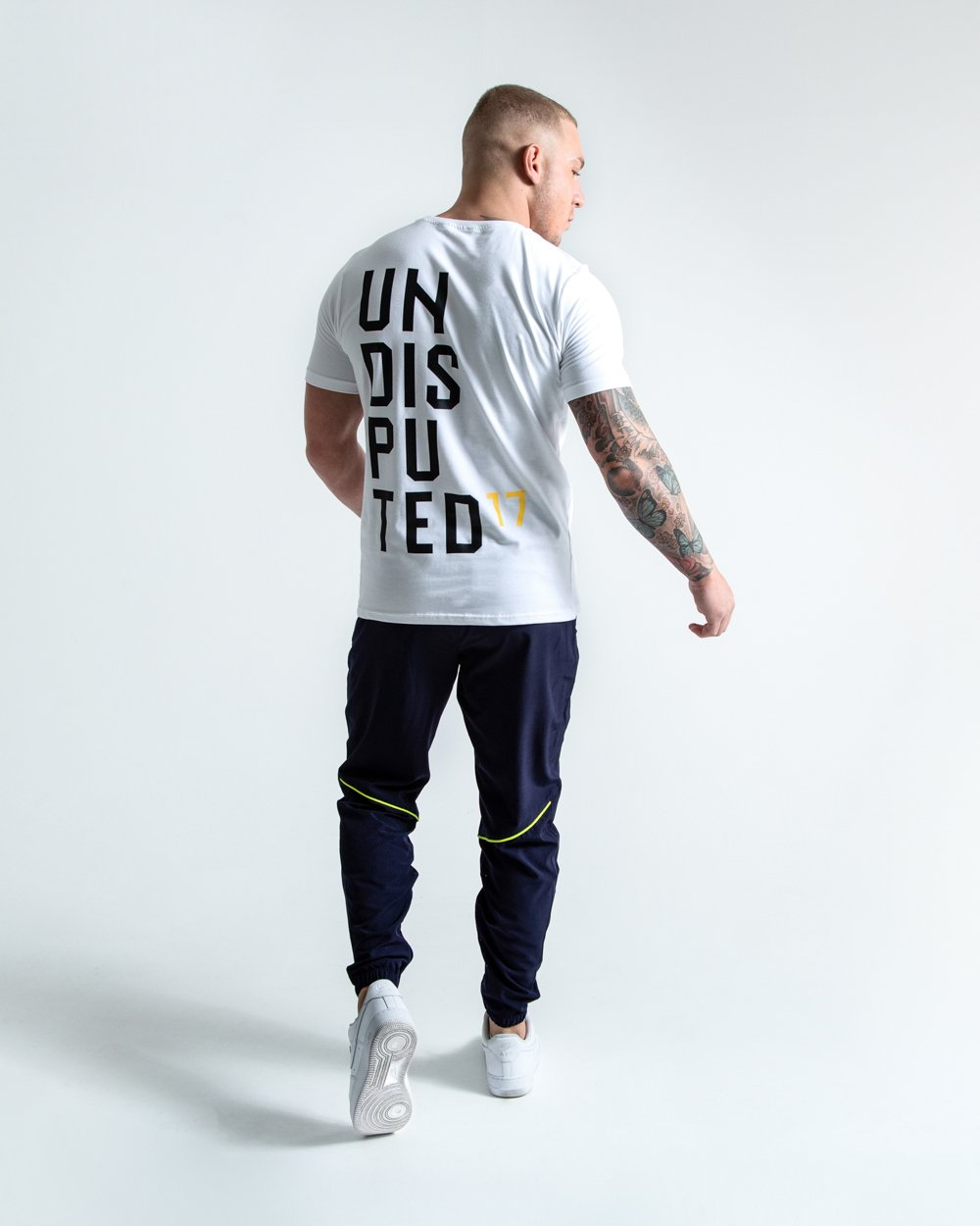UNDISPUTED17 GRAPHIC T-SHIRT WHITE.