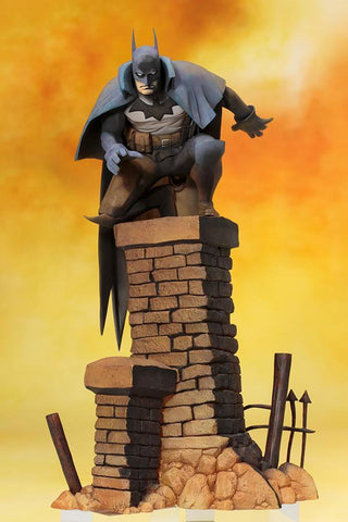 Batman Gotham By Gaslight ARTFX+ 1/10 Scale Figure Kotobukiya