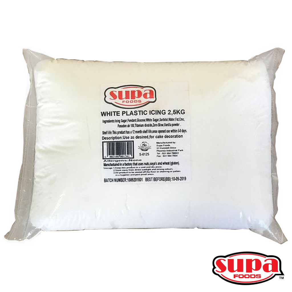 A 2.5kg bag of white fondant / plastic icing