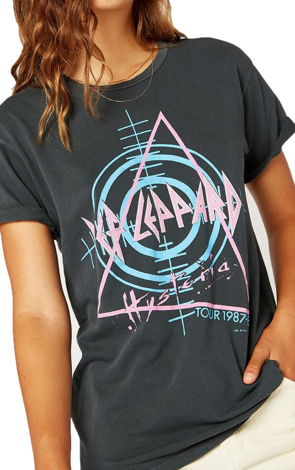Daydreamer Hysteria Tour Weekend Tee