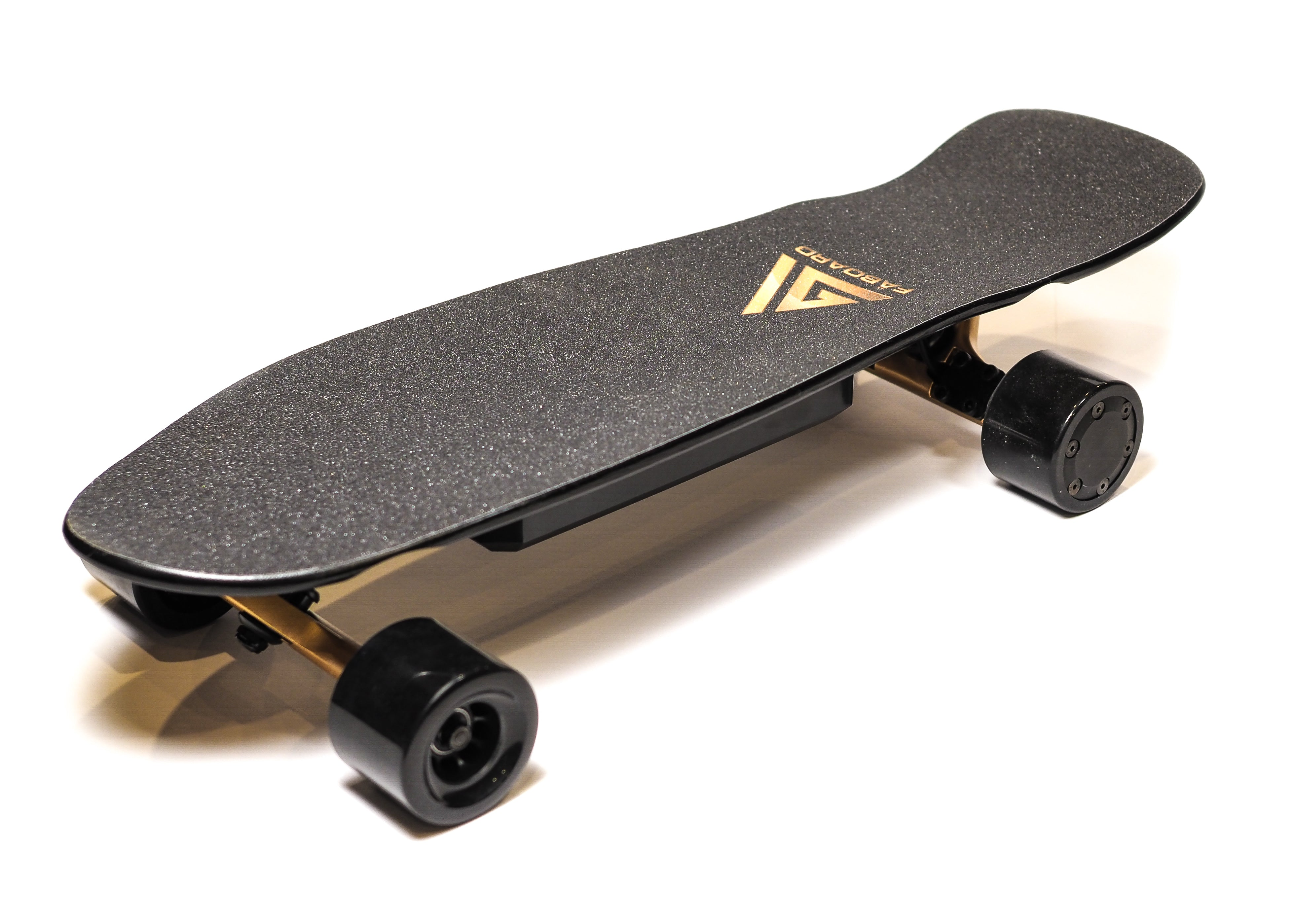 Faboard Gold Version 2 Dual Hub Affordable Light Electric Skateboard with swappable battery - ridefaboard