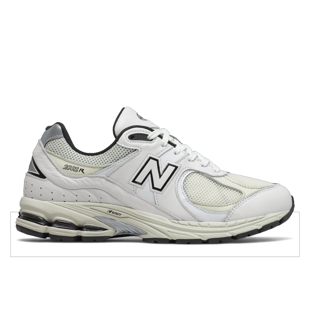 NEW BALANCE ML2002RQ Mens Sneakers