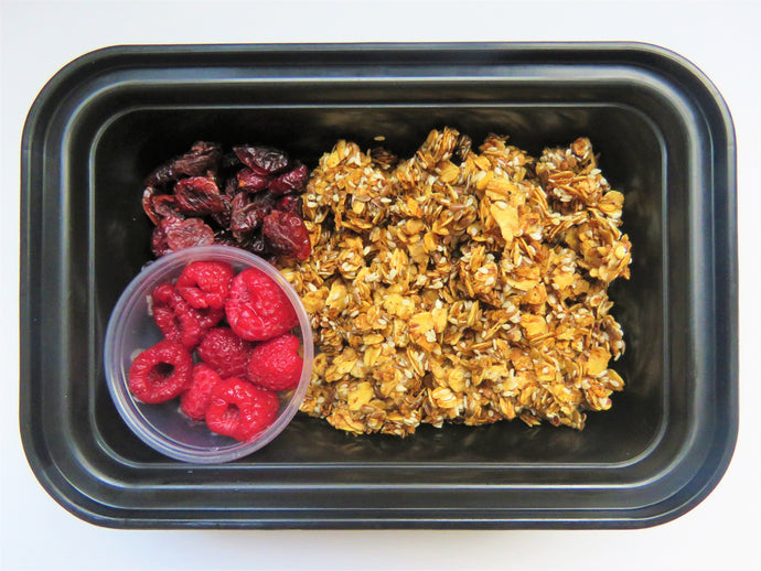 Homemade Granola & Berries - GreenMeal Inc.