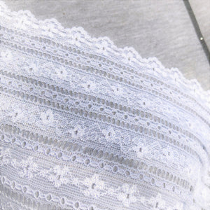 "Stretch Lace #223, 6"" White and Dyeable Banded lace"