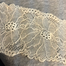 "Load image into Gallery viewer, Stretch Lace #236 - 3"" Dye to Match Lace Edging"