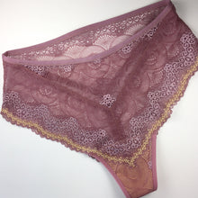 Load image into Gallery viewer, Banquet Lace Panty Kit