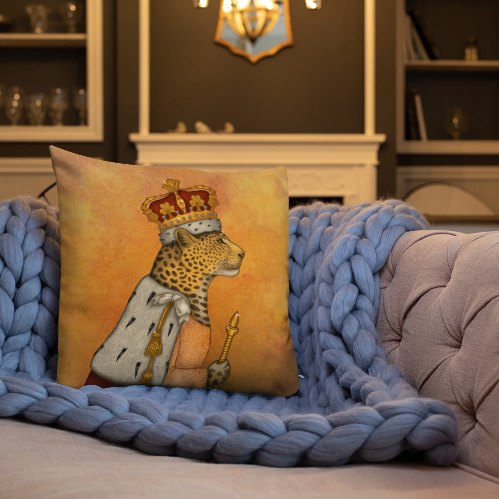 "Premium pillow ""In every woman there is a queen"" (Leopard)"