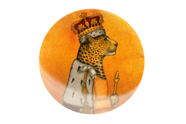 "Badge ""In every woman there is a queen"" (Leopard)"