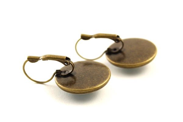 "Earrings ""A fallen blossom never returns to the branch"" (Pika)"