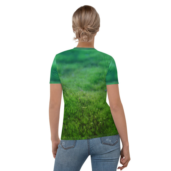 "Women's T-shirt ""Other land blueberry, own land strawberry"" (Chipmunk)"