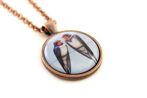 "Pendant ""Everybody loves his homeland"" (Swallows)"