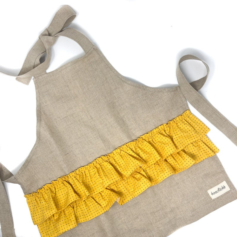 Kids apron with ruffle trim