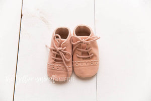 Faux Leather Star Moccasins [Light Pink]