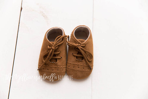 Faux Leather Star Moccasins [Brown]