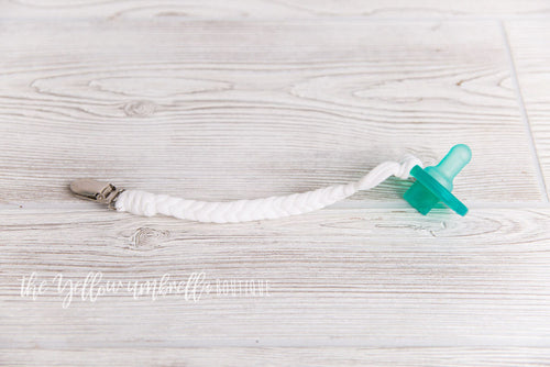 Braided Cotton Pacifier Clip [White]