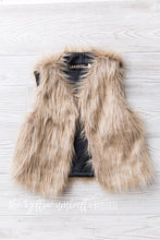 Load image into Gallery viewer, Faux Fur Vest [Camel]