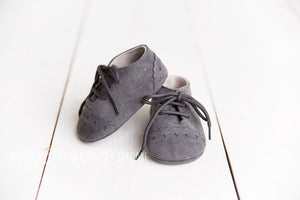Faux Leather Star Moccasins [Charcoal Gray]