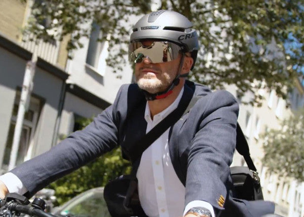 Cratnoni Pedelec-Helm Smartride in Urban Action