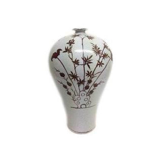 Earthenware Vase With Bamboo Design