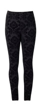 Load image into Gallery viewer, Vassalli Skinny Leg Printed Ponti Pull On