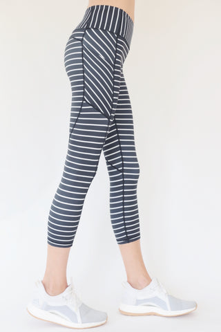 "The ""Veronica"" Swirl Capri Leggings"