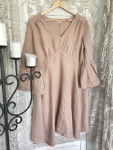 Load image into Gallery viewer, Loomi Dress The Shanty Corporation- Desert Brown