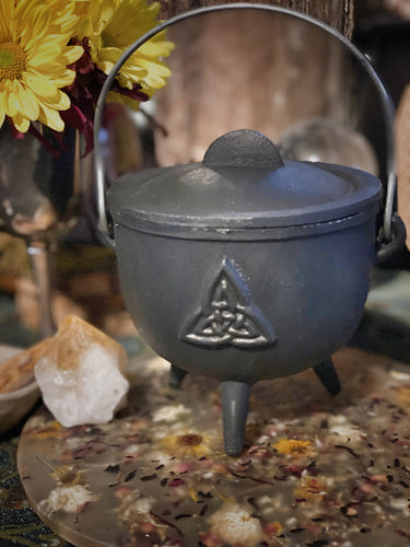 Cast Iron Cauldron-triquetra