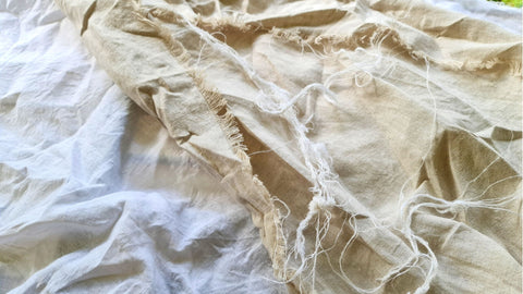 fraying on linen fabric
