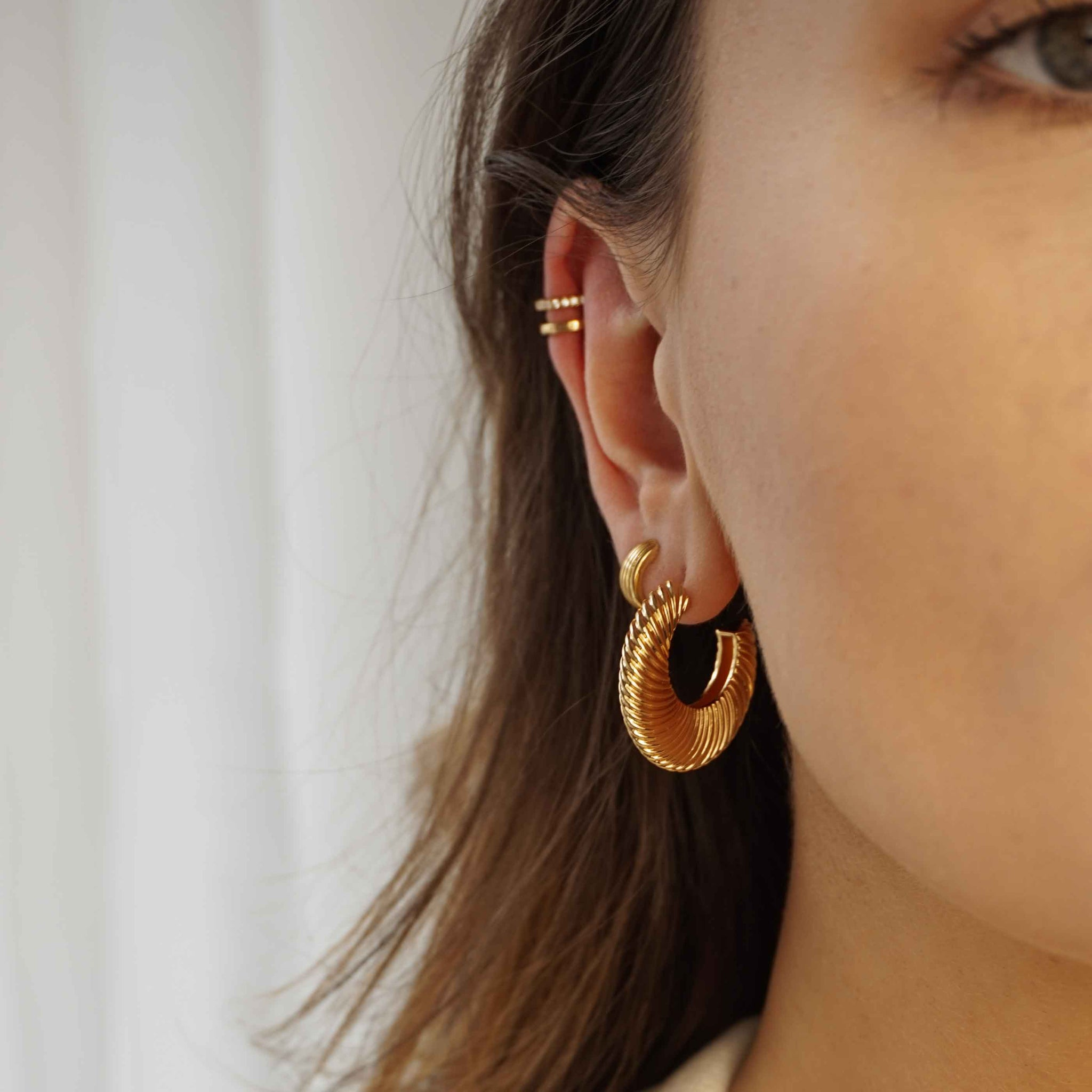 Luminous Textured Hoops in Gold