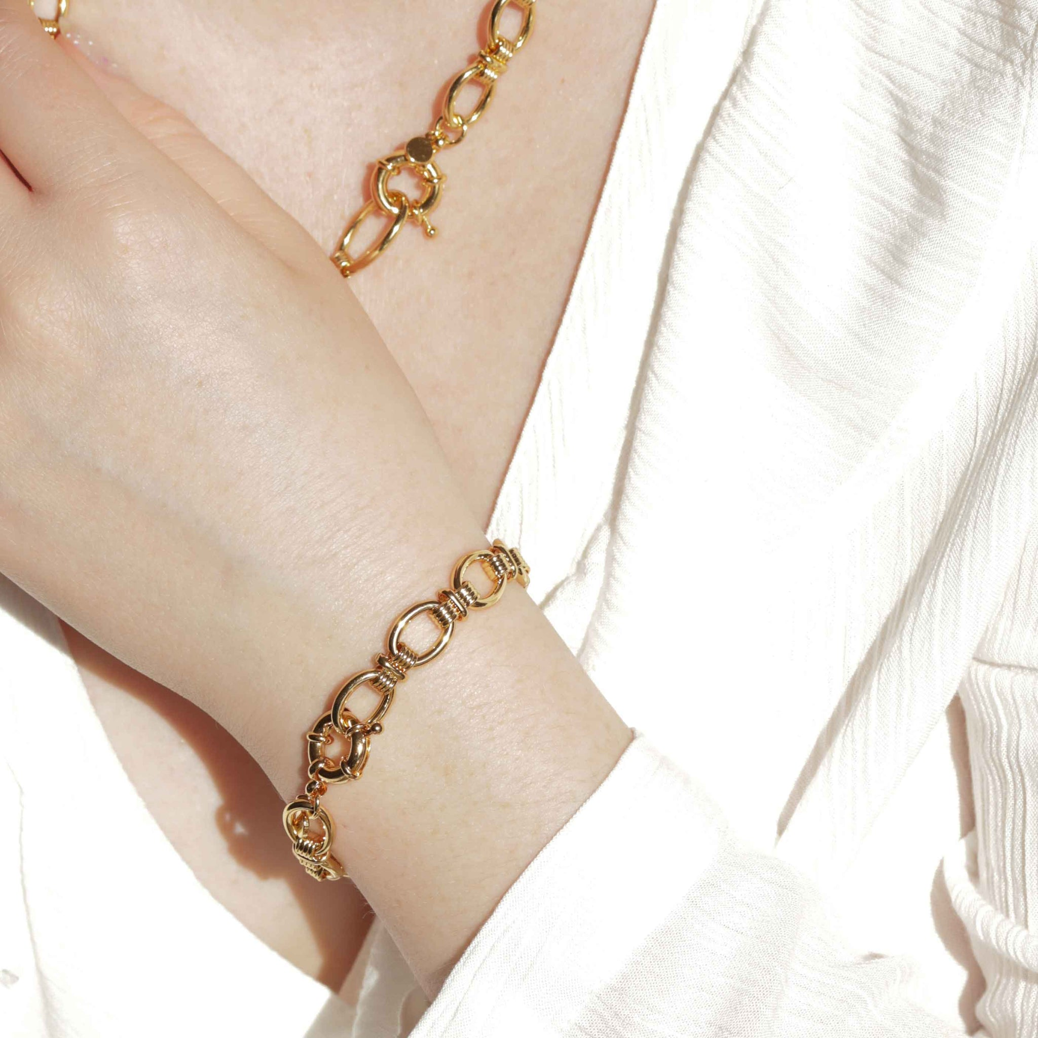 Ribbed Link Chain Bracelet in Gold