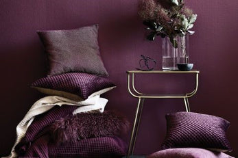 How to Incorporate Ultra Violet into your Bedroom
