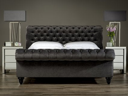 Sueno Chesterfield Studded Sleigh Bed