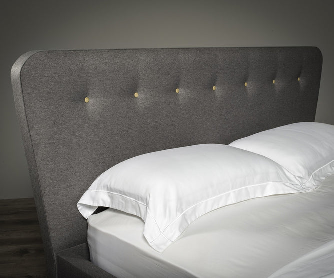 Retro Buttoned Bed