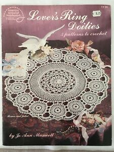 1136  Lover's Ring Doilies