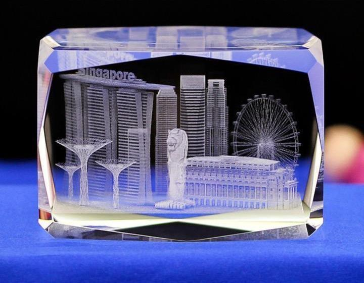 Customised Premium Crystal Paper Weight ,  corporate gifts
