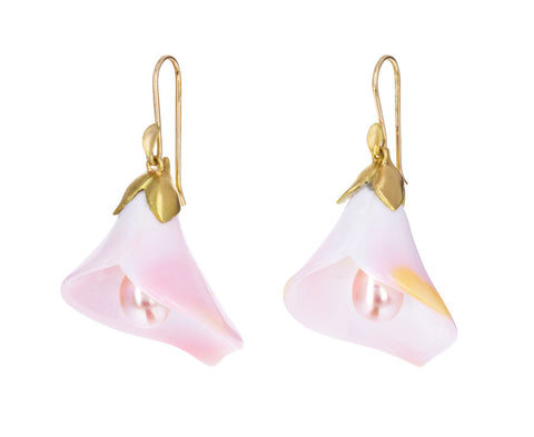 Pink Conch Calla Lily with Pearl Earrings
