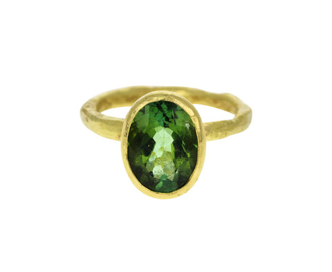 Oval Peridot Ring - TWISTonline