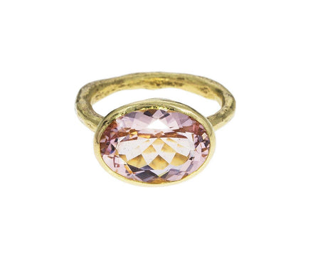 Morganite Oval Ring - TWISTonline