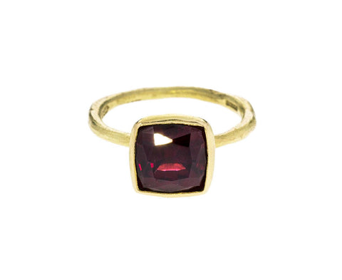 Garnet Ring - TWISTonline