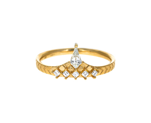 Diamond Peak Ring - TWISTonline