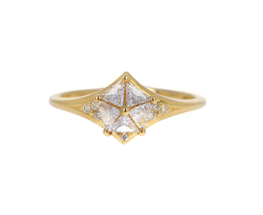 Triangle Pyramid Diamond Solitaire Ring