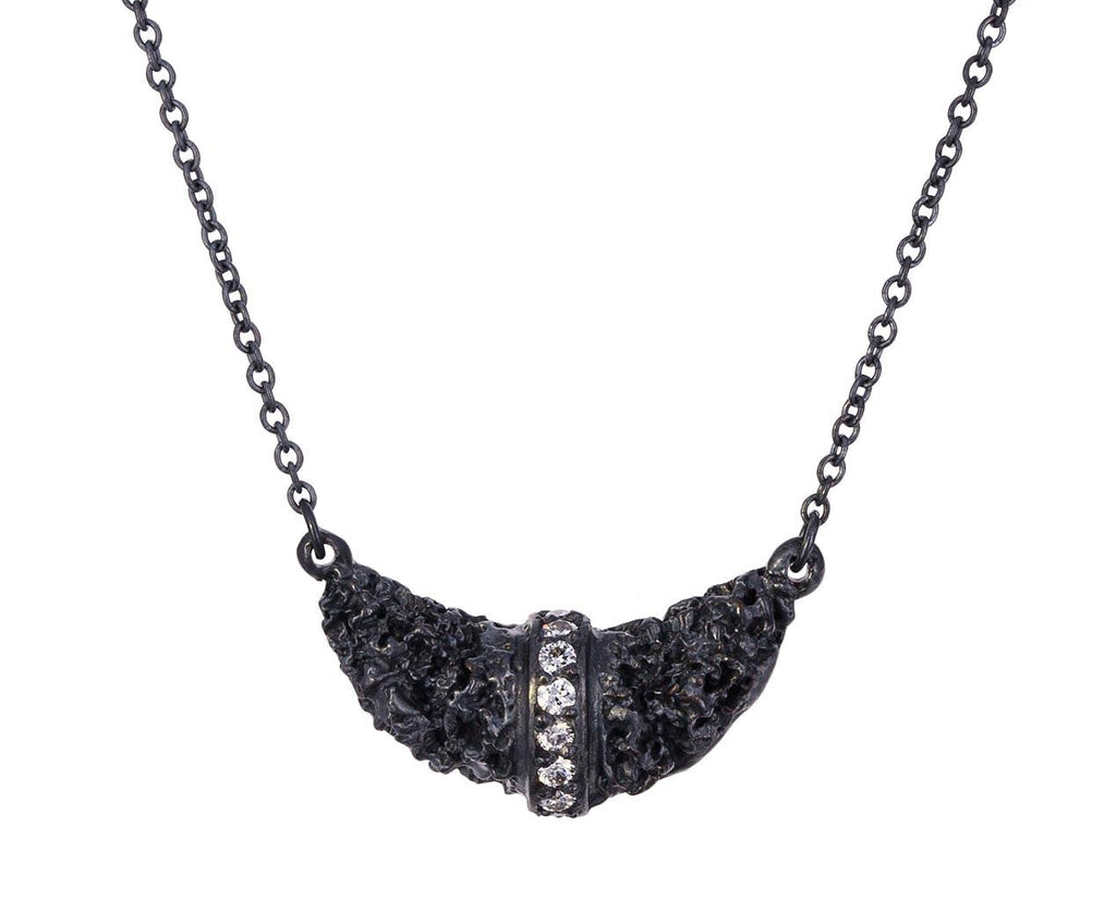 Chryseum Crescent Pendant Necklace - TWISTonline