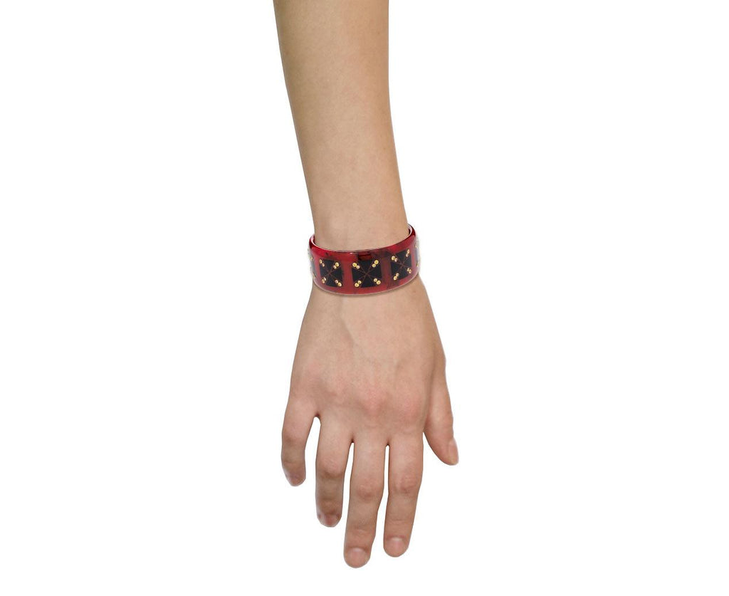 Marbled Red Bakelite Bracelet with Black Inlay and Yellow Sapphires - TWISTonline