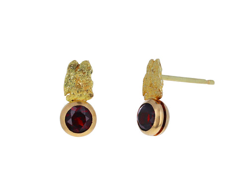 Garnet Cuore Aperto Stud Earrings