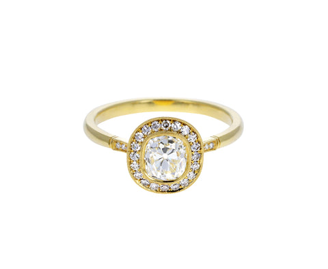 Mariana Halo Diamond Solitaire Ring