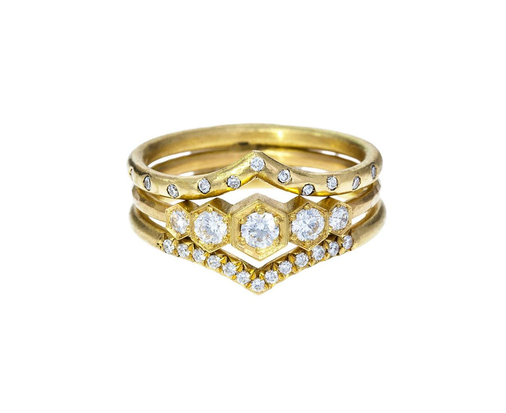 Diamond 'V' Ring zoom 3annie_fensterstock_gold_diamond_v_shaped_ring